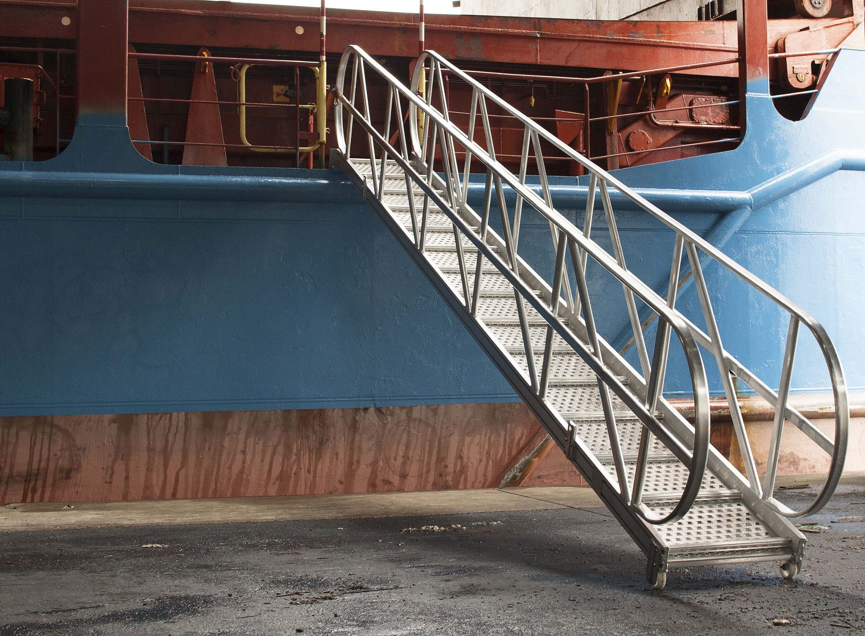 Products4Ships aluminium gangways sea going vessels